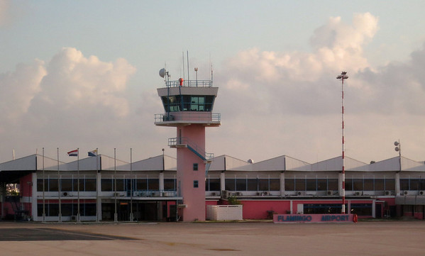 flamingo airport bonaire 090713